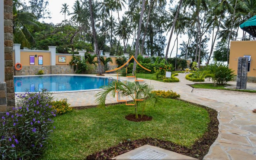 BAMBURI : 2 BEDROOM BEACHFRONT
